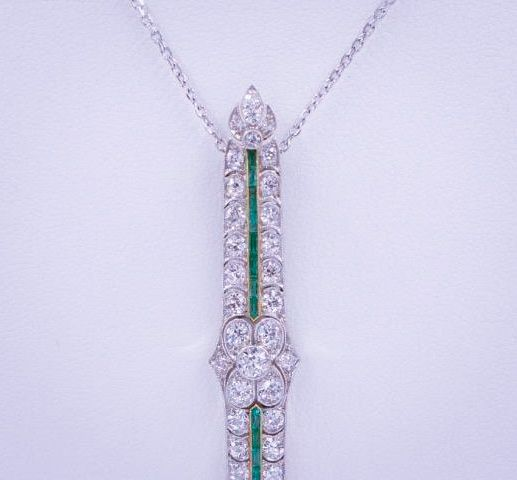 1.9_Carat_Diamond_Emerald_Pendant